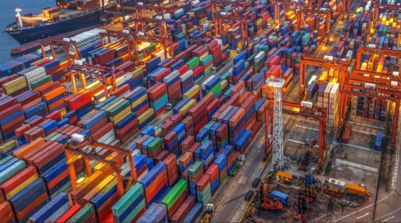 インド最高裁判所:港湾当局には、遺棄された貨物の保管料/超過保管料 ...